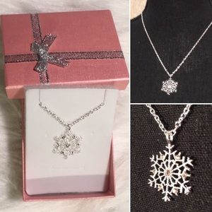 Boutique - SNOWFLAKE - bling sparkle necklace ❄️